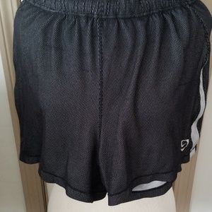 Nike shorts  sz  L